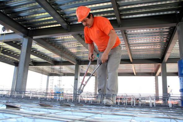 Lento crecimiento en la industria de la construcción impacta al empleo