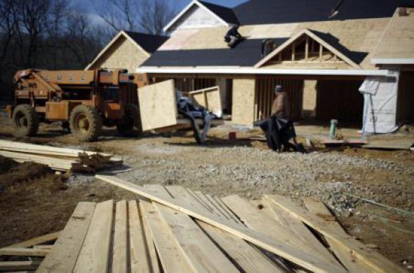 Baja la construcción de viviendas en EU, a un millón 70 mil unidades
