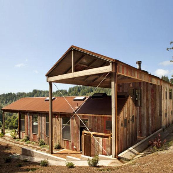 llamado aptos retreat el proyecto tambin incluye un granero cubiertas de corten formando una casa club dos cabinas de invitados y las de