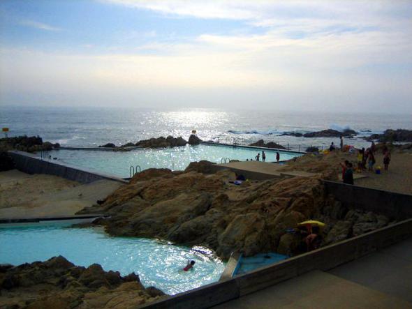 Álvaro Siza construye hermosas piscinas de agua salada