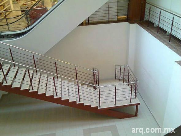 Humor en la arquitectura. Puerta conceptual