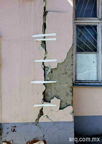 Humor en la arquitectura. Reparación de muros