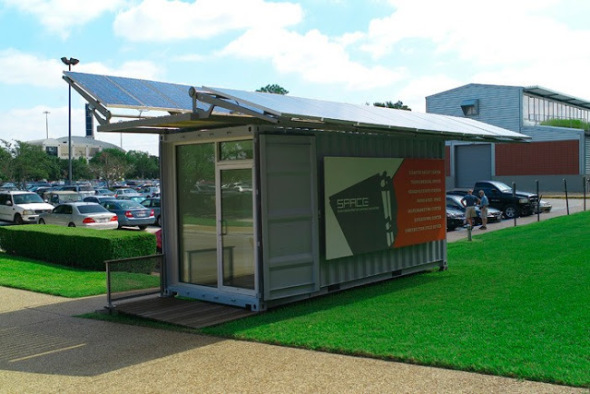 10 contenedores que utilizan energía solar limpia