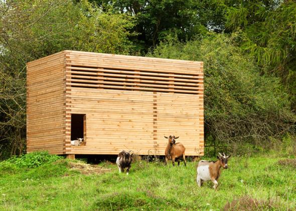 Michael Kuhnlein construye un granero de madera