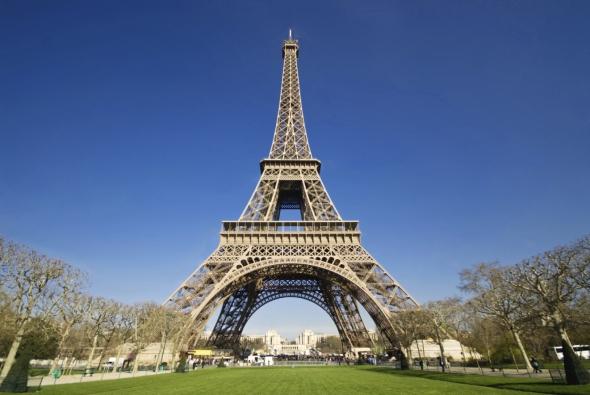 Barcelona rechazó el proyecto de la torre Eiffel