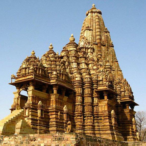 La fractalidad del universo se reitera en estos templos hindúes