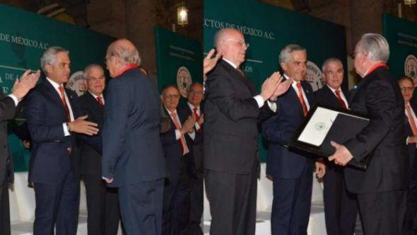 Entregan los Premios Nacionales de Ingeniería y Arquitectura 2015