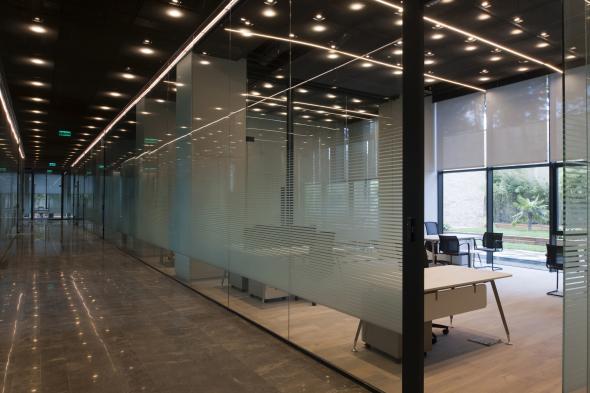 Masificación dinámica y espaciosos interiores