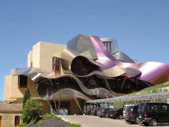 17 impresionantes y extraños edificios diseñados por Frank Gehry