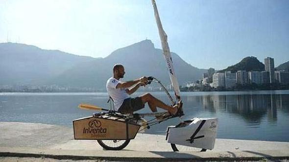 Arquitecto brasileño diseña bicicleta terrestre y acuática