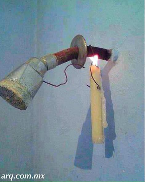Humor en la Arquitectura. Boiler emergente