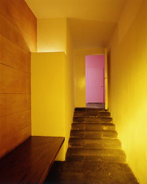 La arquitectura de Luis Barragán es capaz de crear silencio.  Cruz López Viso