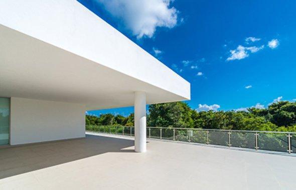 Compuesto ideal para fijar mallas de refuerzo a paneles de yeso y cemento para exteriores. Base Base Max de Panel Rey