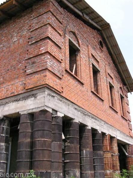 Humor en la arquitectura. Columnas alternativas