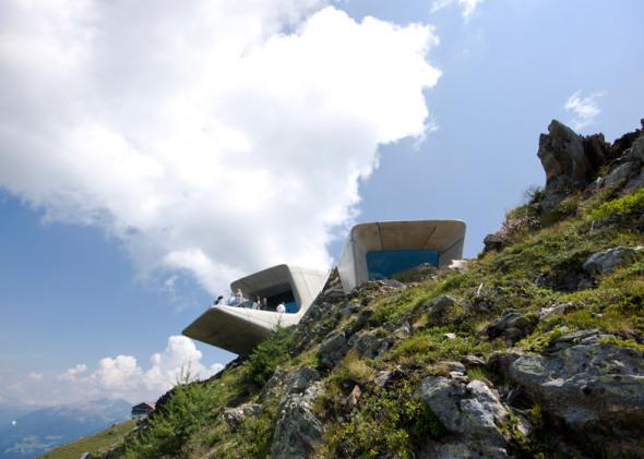 Zaha Hadid completa el Museo de la Roca