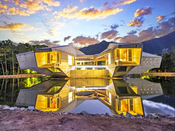 Fortaleza de hormigón sustentable de Charles Wright