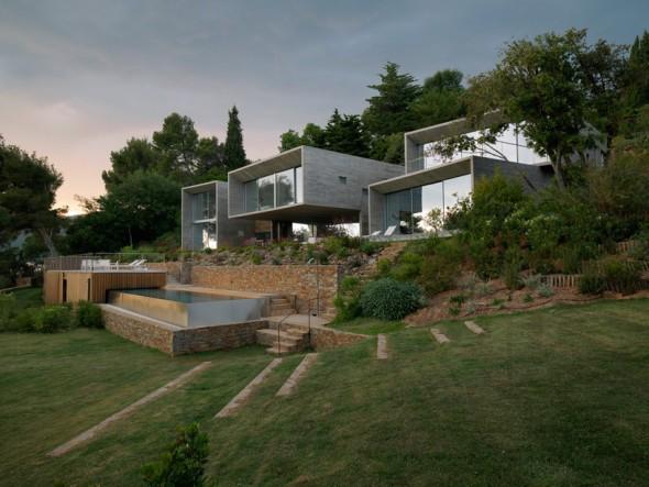 Casa de los cubos escalonados de concreto