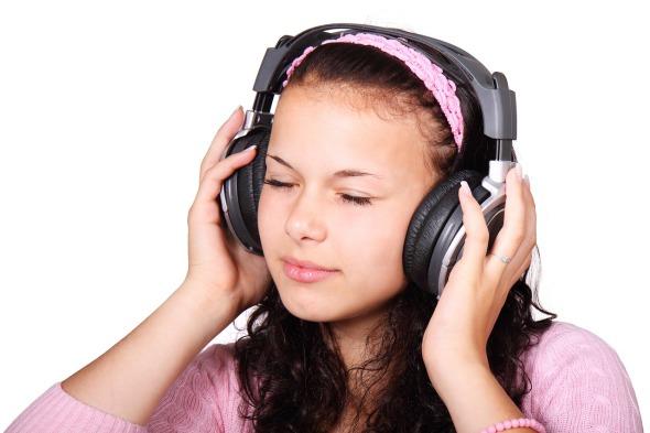 Construye  tu creatividad jugando y escuchando música