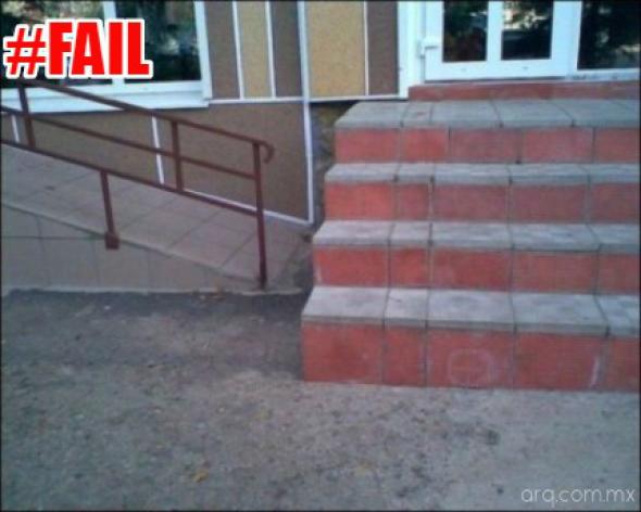 Humor en la Arquitectura. Rampa vs Escaleras