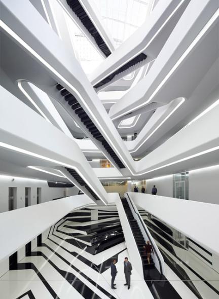 La versión de las escaleras infinitas de Zaha Hadid