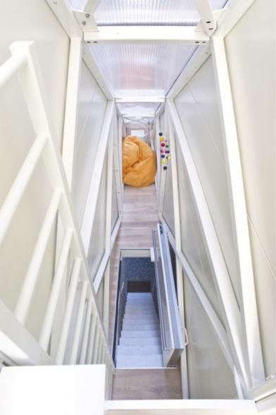 Observa cómo es la casa más angosta del mundo por dentro