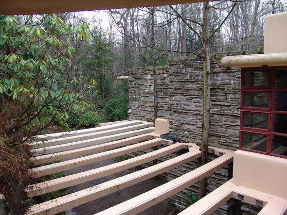 la casa es el puro reflejo de los principios de la orgnica propugnados por lloyd wright integrar en la edificacin los factores ambientales