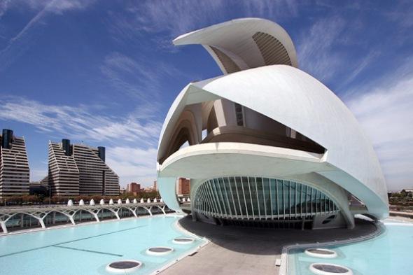plumas y alquitrn para el arquitecto que lo juzguen las futuristas y que nosotros vivamos en el pasado santiago calatrava