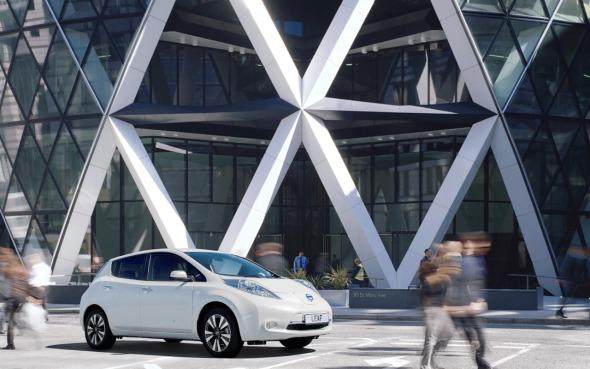Foster and Partners visualiza la gasolinera del futuro