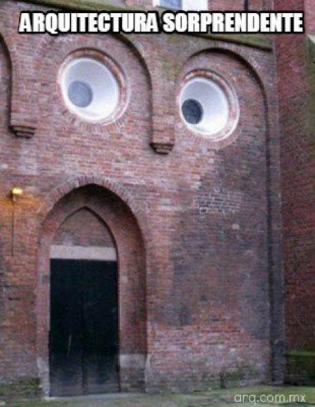 Humor en la arquitectura. Expresionismo