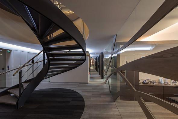 Luz y dinámica en oficinas corporativas de Sordo Madaleno Arquitectos