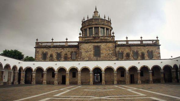 Instituto Cultural Cabañas de Manuel Tolsá es ejemplo de arquitectura neoclásica en México