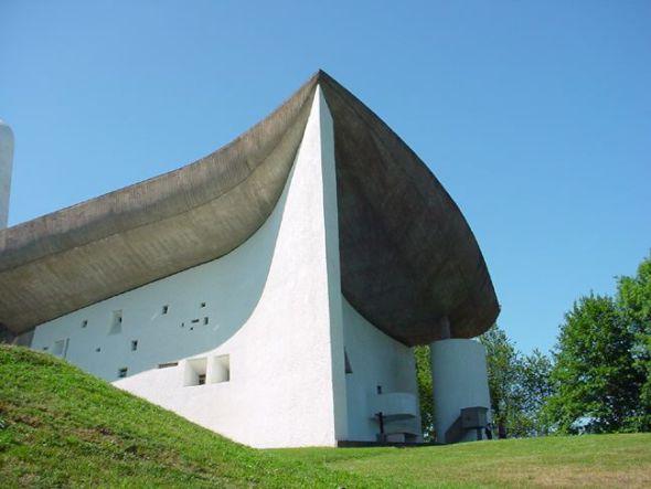 Dos monjas hablan de Le Corbusier