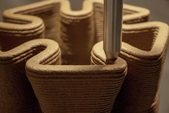 """La impresora 3D que utiliza tierra y podría ayudar a los """"sin techo"""""""