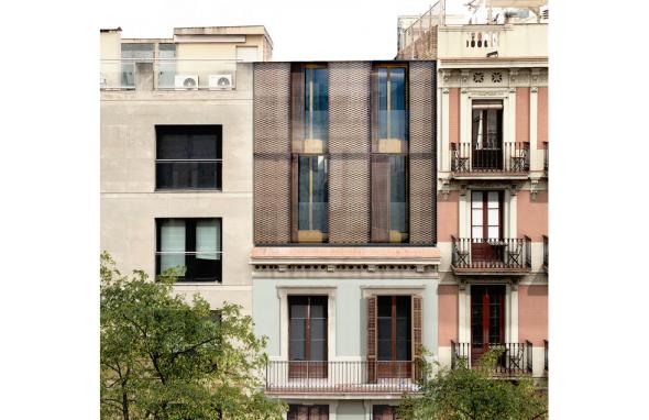 La Casa por el Tejado construye los primeros áticos eco-eficientes en los tejados de Barcelona