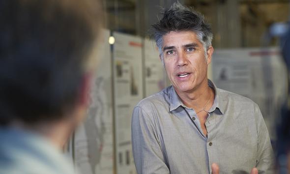 Un perfil completo del Arquitecto Alejandro Aravena: Premio Pritzker 2016