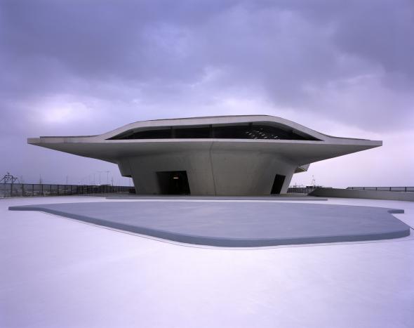 Se inauguró la terminal marítima diseñada por Zaha Hadid