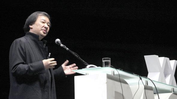 Japonés Shigeru Ban, arquitecto de terremotos, pone manos a la obra en Ecuador