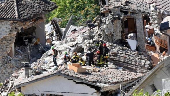 Renzi se entrevista con el arquitecto Renzo Piano para diseñar el plan de reconstrucción tras el terremoto