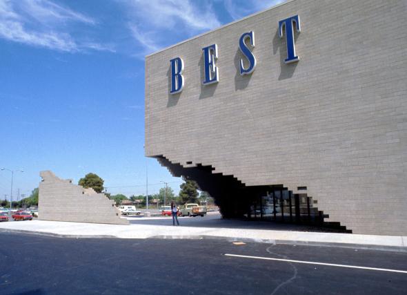 Las fachadas posmodernas que revolucionaron las tiendas departamentales en Estados Unidos