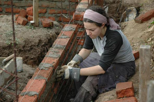 En Perú el 57% de autoconstructores son mujeres