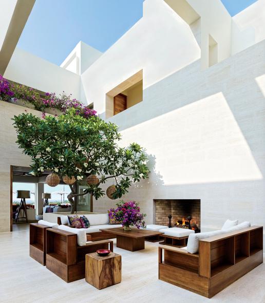La casa diseñada por Ricardo Legorreta que George Clooney vendió en 100 millones de dólares