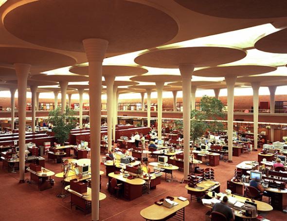 Una oficina sin ventanas que es una obra maestra de Frank Lloyd Wright