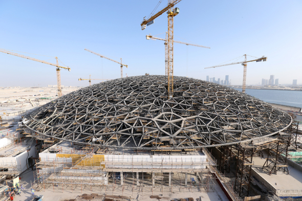 Mira el proceso de construcción del Museo de Louvre de Abu Dhabi