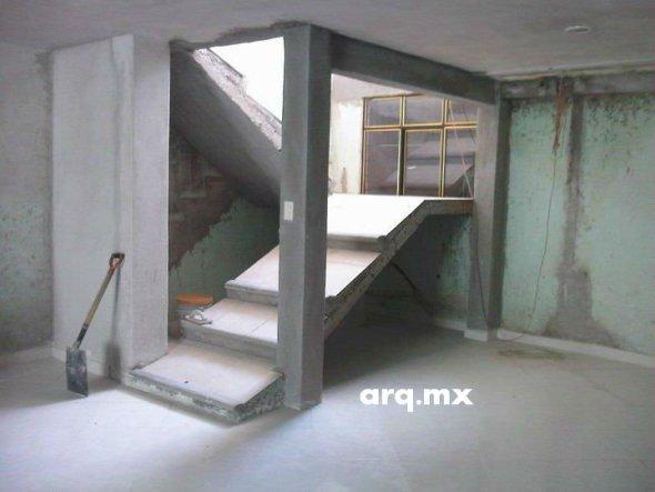 Humor en la Arquitectura. Escalera-Rampa