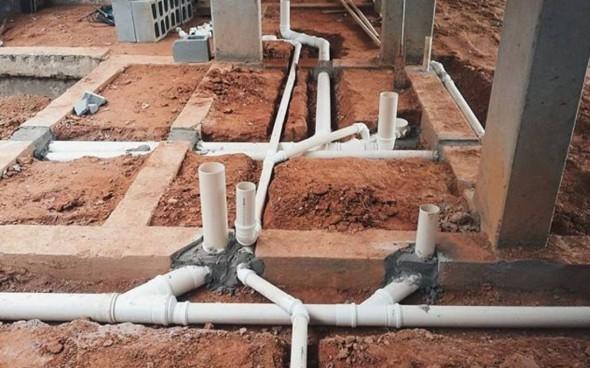 Humor en la arquitectura. Tubo de PVC estructural