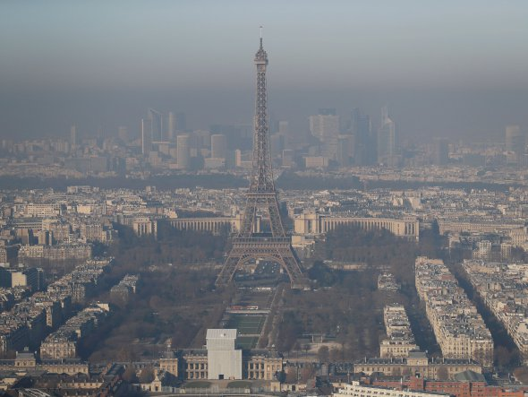 Para reducir contaminación, París planea ofrecer transporte público gratuito