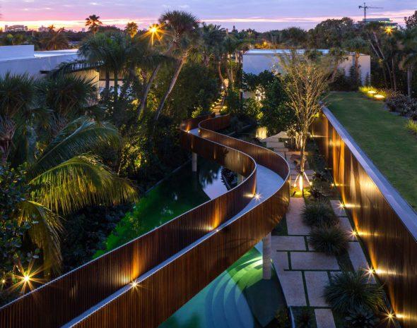 La casa de 30 millones de dólares que cuenta con una laguna artificial