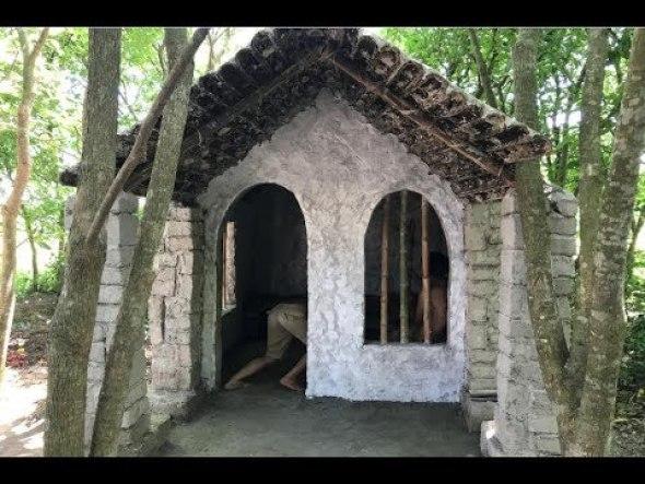 Cómo construir una casa con herramientas primitivas... para sobrevivir