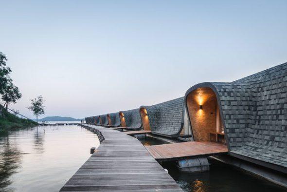 Habitaciones que flotan en aguas de Tailandia