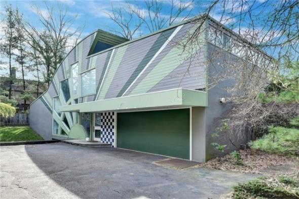 En secreto, demuelen casa posmoderna diseñada por Denise Scott Brown y Robert Venturi